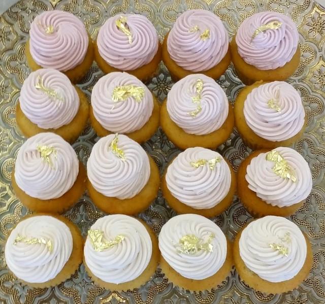 Blush wedding, blush cupcakes